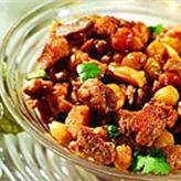 Горячий салат из свинины и винограда