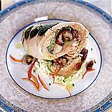 Индейка, фаршированная шампиноьнами и савойской капустой