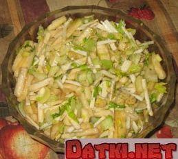Салат из сельдерея и бананов
