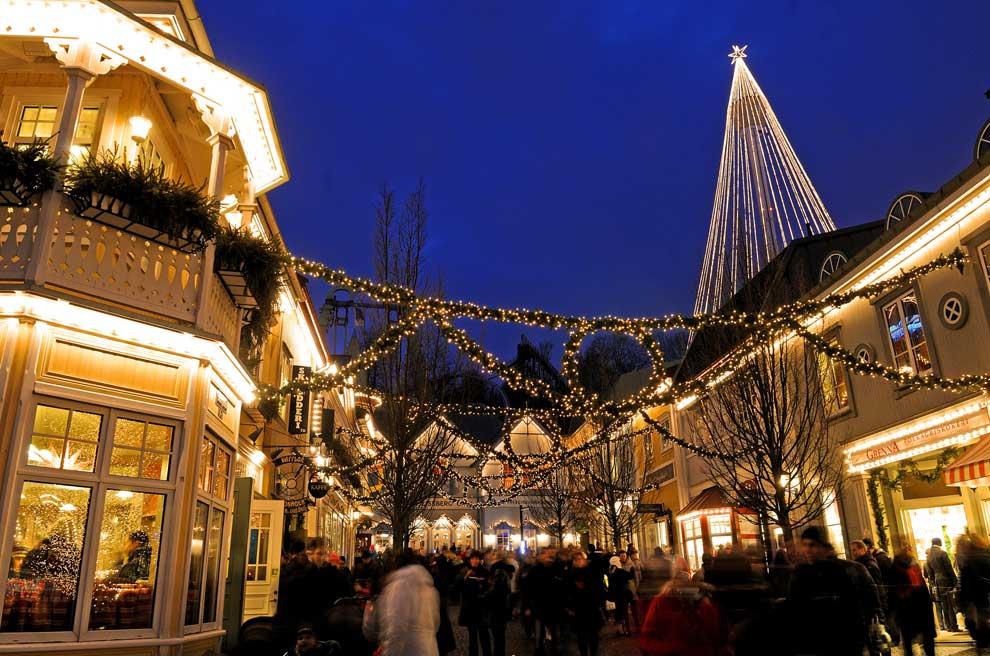 Украшенная улица на Рождество в Швеции