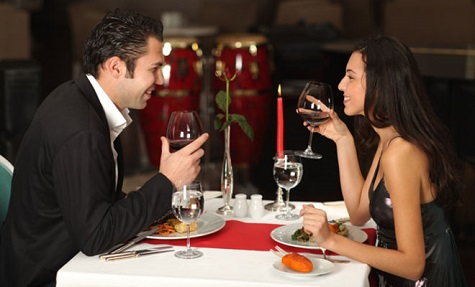 Отметить день всех влюбленных: романтический ужин