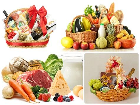 Что подарить бабушке на Новый год - новогодние продукты