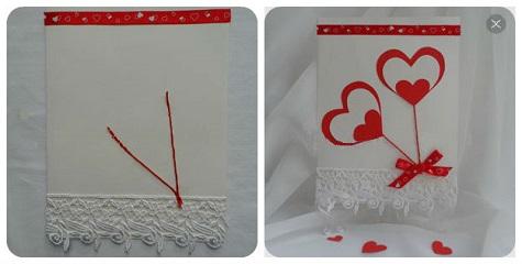 Открытка с кружевами и бумажными сердечками